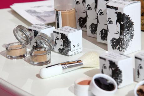 Maquillage bio et naturel pour peau sensible et intolérante